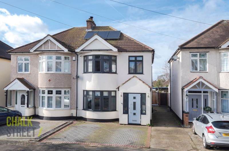 Warriner Avenue, Hornchurch, RM12