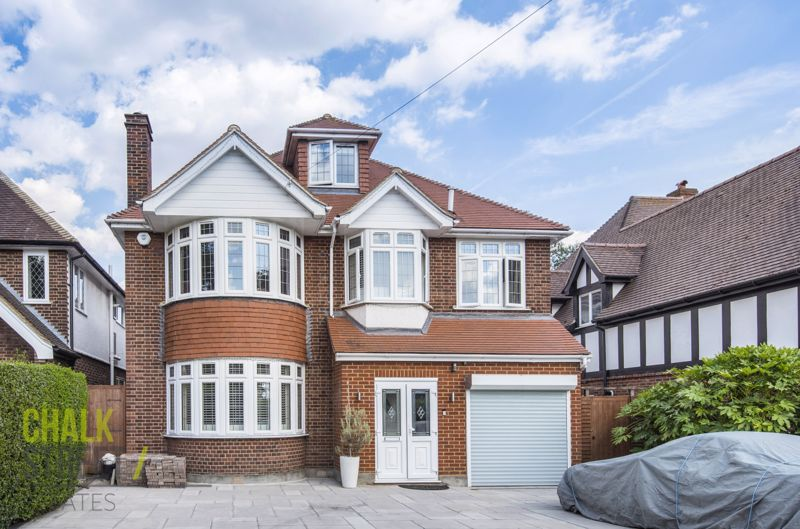 Hall Lane, Upminster, RM14